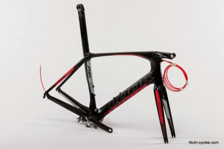 795 AEROLIGHT CARBON RED (2)
