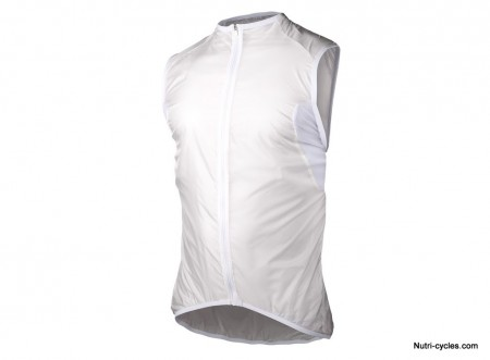 Essential-Light-Wind-Vest-Front_119euros95
