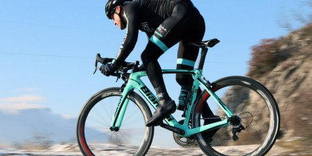 Test Bianchi Oltre XR4 Countervail avec Campagnolo Record