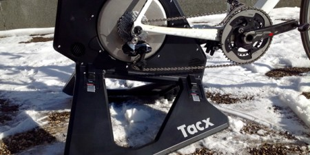 Test home-trainer TACX Neo Smart : Silence et rangement facile !