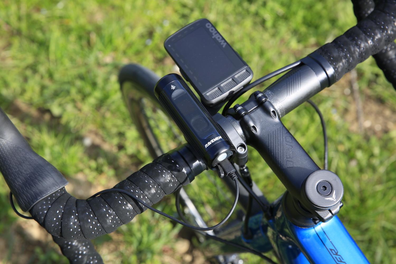 LEclairages vélo Ravemen CR900 et TR50