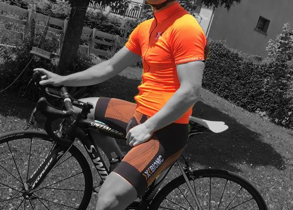 Equipement du cycliste en montagne par beau temps