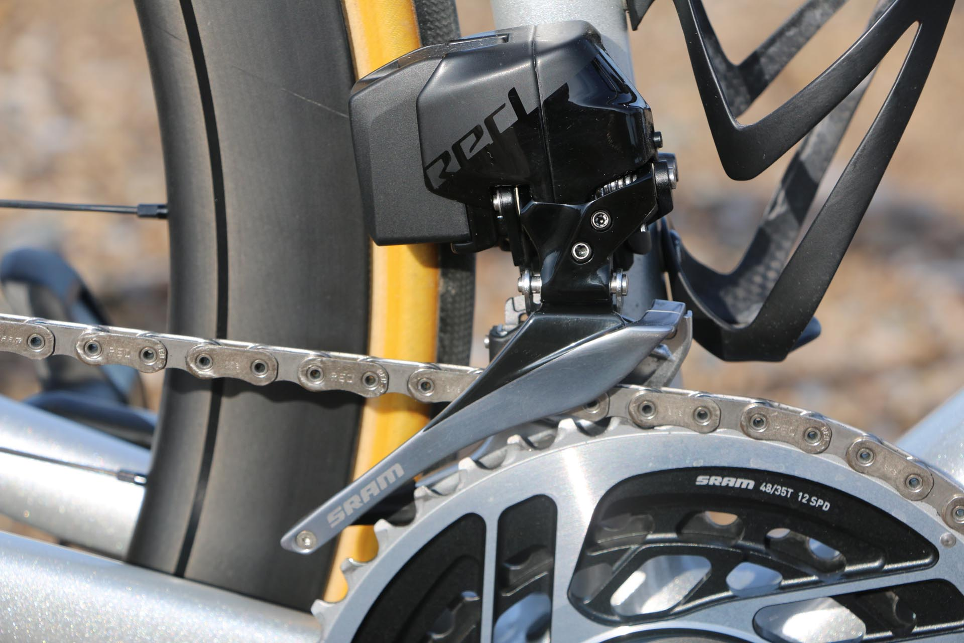 Groupe SRAM Red eTap avec technologie AXS