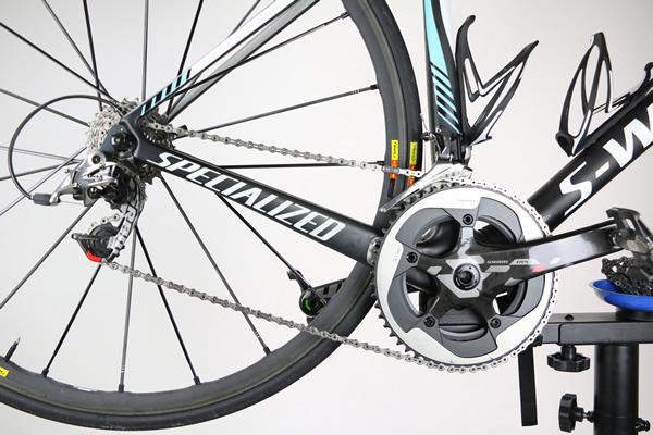 Montage chaine de vélo SRAM avec attache rapide PowerLock