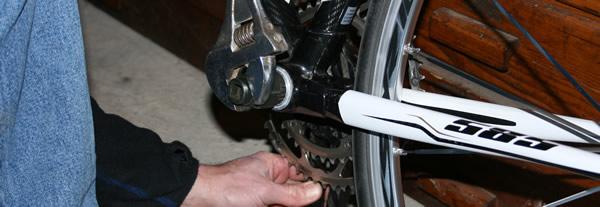Montage du boitier de pédalier de vélo