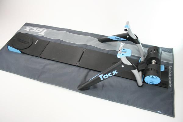 Montage d'un vélo sur home trainer TACX I-Genius