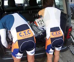 Préparer son sac pour une course à vélo